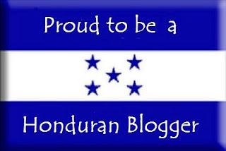 Флаг страны. .  Пропорции 1:2. Представляет собой трехполосное сине-бело-синее полотнище. .